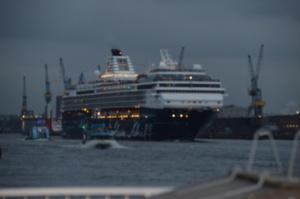 Hamburg Hafen TUI Mein Schiff